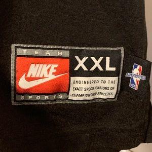Nike Shirts - Chicago Bulls authentic Nike '97-98 shooting shirt